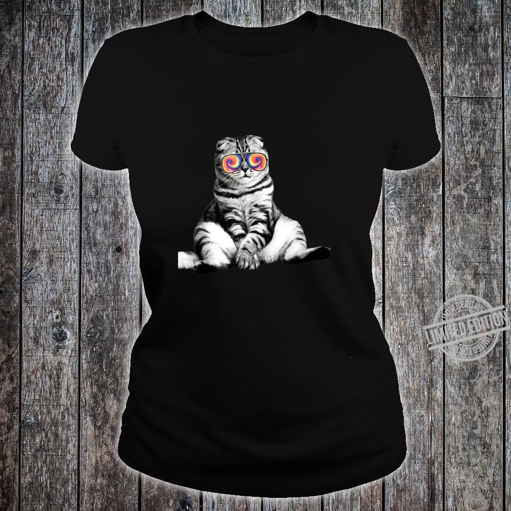 Tabby Cat Wearing Sunglasses Retro Cat Shirt ladies tee